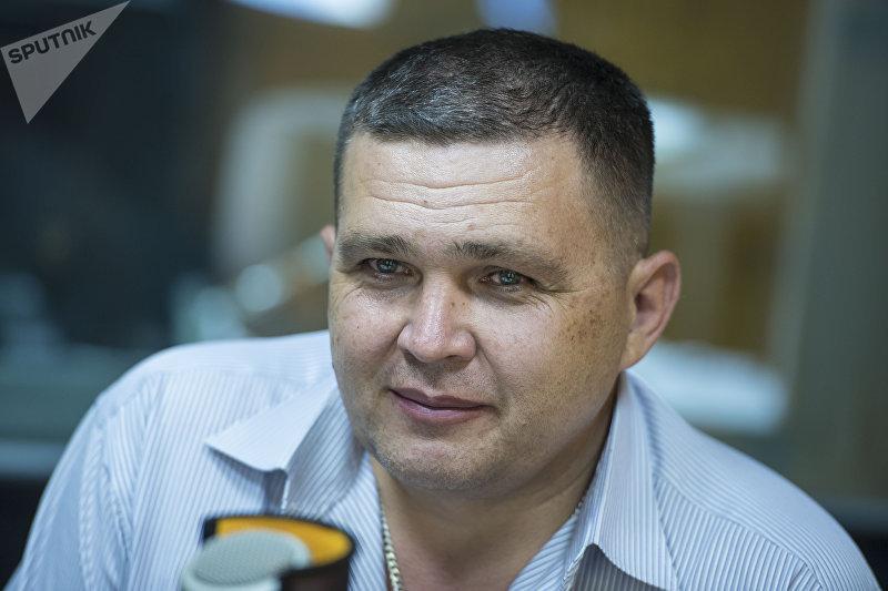 Директор Центра реабилитации беспризорных детей Алексей Петрушевский во время интервью на радиостудии Sputnik Кыргызстан