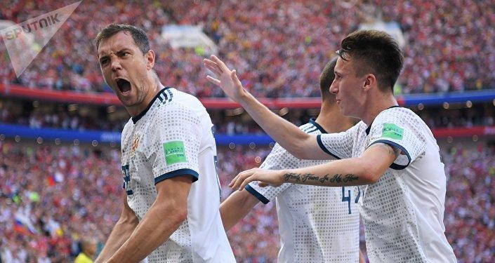 Сборная РФ обыграла сборную Испании ивышла вчетвертьфинал чемпионата мира