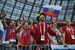 Болельщики сборной России радуются победе команды в матче 1/8 финала чемпионата мира по футболу между сборными Испании и России.