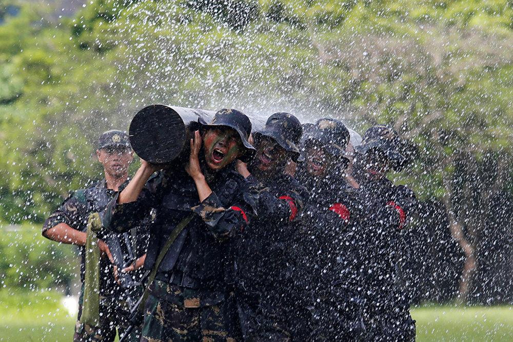 Кытайдын армиясы. Гонконгдогу авиабазада өткөн машыгуу