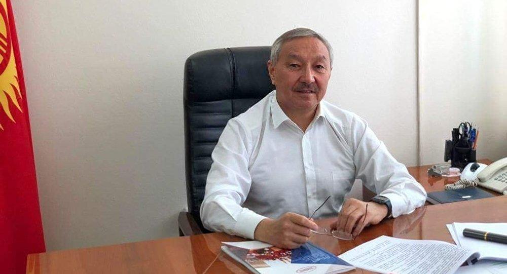 Депутат Бактыбек Турусбековдун архивдик сүрөтү
