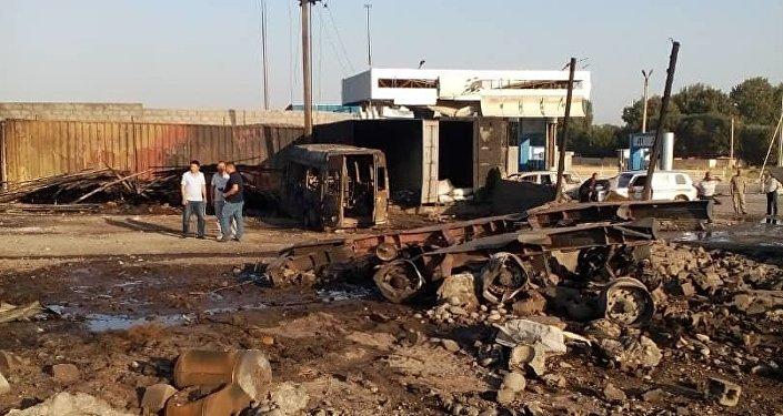 Последствия взрыва автозаправочной станции в Лейлекском районе