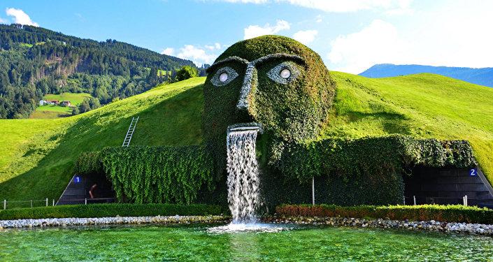 Самые необычные фонтаны мира — Хрустальные миры Сваровски