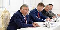 Президент КР Сооронбай Жээнбеков принял председателя правления Евразийского банка развития (ЕАБР) Андрея Бельянинова