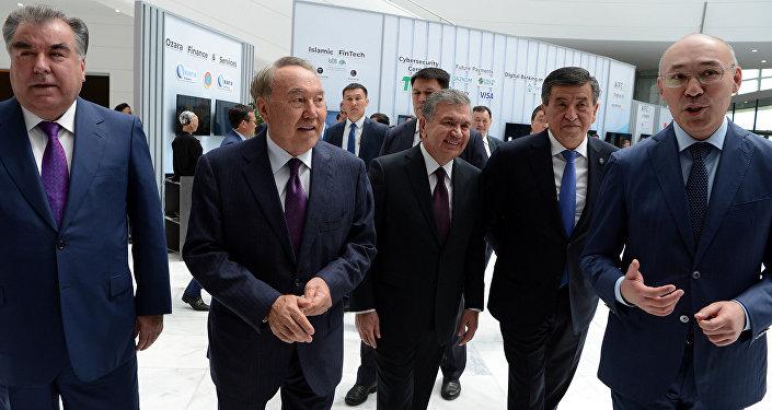 Президент Кыргызстана Сооронбай Жээнбеков с главами государств Центральной Азии принимает участие в мероприятиях, посвященных 20-летию столицы Казахстана