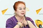 Руководитель азербайджанского детского театра-студии Гюнай Лариса Тарусова
