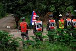 Таиланддагы үңкүргө камалып калган балдарды куткаруу. Архивдик сүрөт