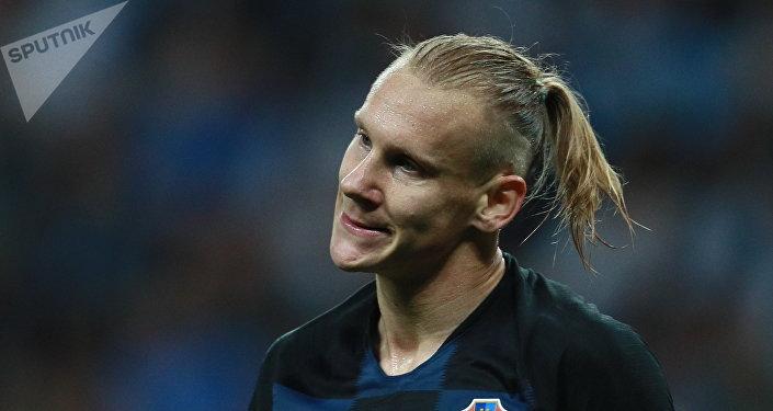 Домагой Вида (Хорватия) в полуфинальном матче чемпионата мира по футболу между сборными Хорватии и Англии.