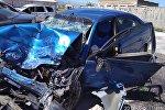 Автомобиль Toyota Avensis, который участвовал в ДТП с тремя погибшими на объездной трассе в Кеминском районе Чуйской области