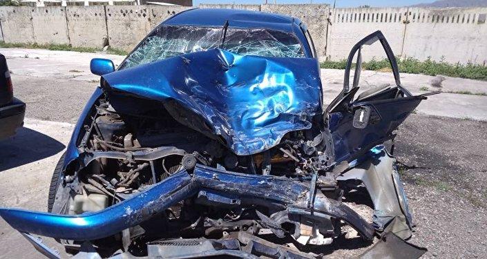В Toyota находились пожилая женщина с мужем, 20-летняя девушка и ее девятимесячная дочь — погибли все, кроме женщины.