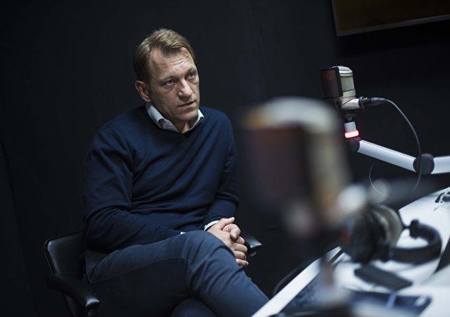 Заместитель главного редактора МИА Россия сегодня Андрей Благодыренко во время интервью на радио