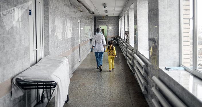 Медсестра в детской больнице. Архивное фото