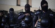 Гватемала полиция кызматкерлери. Архивдик сүрөт