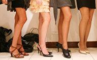 Девушки на каблуках. Архивное фото