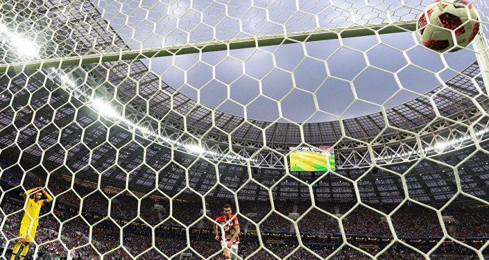 Хорваты на 68-й минуте вернули интригу в матч — Манджукич отличился после грубой ошибки французского голкипера Уго Льориса