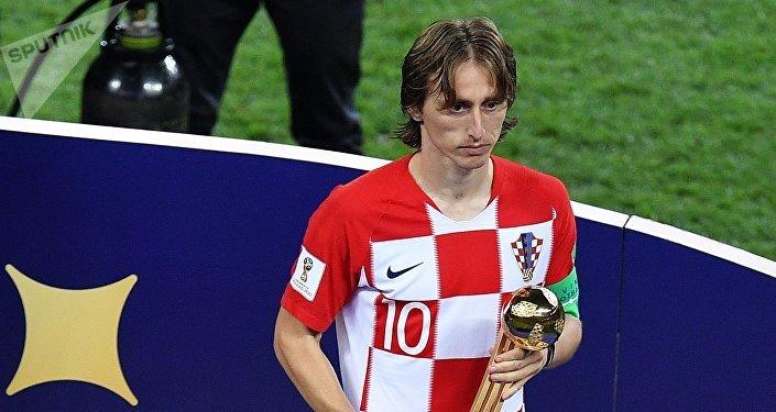 Хорватский полузащитник Лука Модрич объявлен лучшим игроком чемпионата