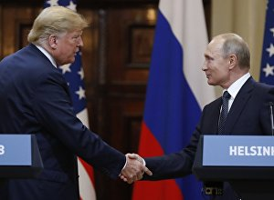 Россиянын президенти Владимир Путин жана АКШнын президенти Дональд Трамп. Архив
