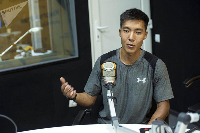 Основатель проекта Turnikman.kg Бекбол Расулбеков в беседе на радио
