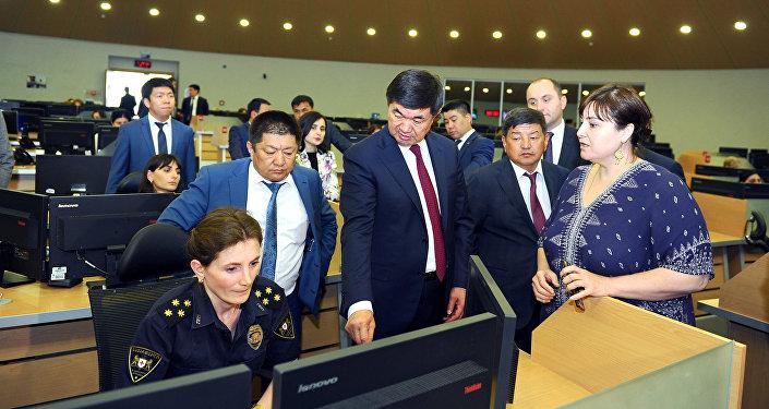 Премьер-министр КР Мухаммедкалый Абылгазиев ознакомился с проектом Безопасный город в Тбилиси
