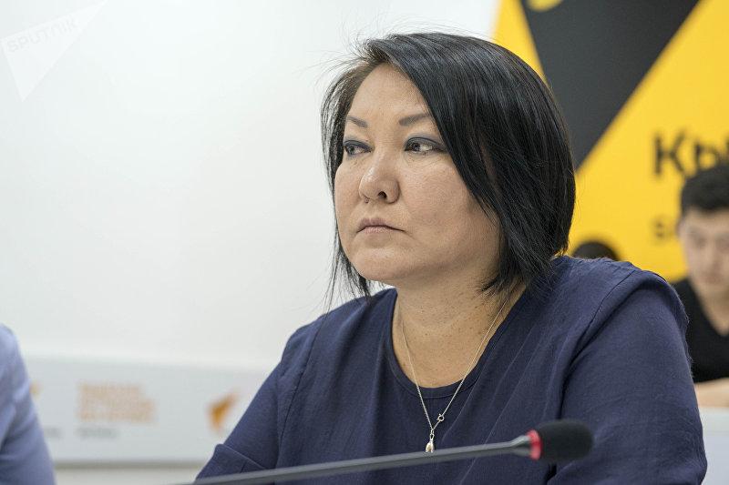 Консультант Минздрава КР по доказательной медицине Бермет Барыктабасова на круглом столе в пресс-центре Sputnik Кыргызстан