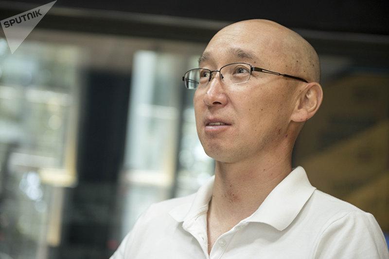 Экс-директор Департамента туризма при Минкультуры Максат Чакиев во время беседы на радио Sputnik Кыргызстан