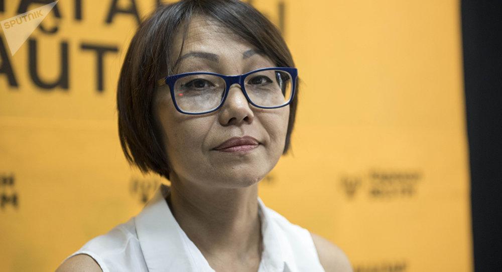 Координатор приюта Центр защиты детей Роза Сулайманова в беседе на радио Sputnik Кыргызстан