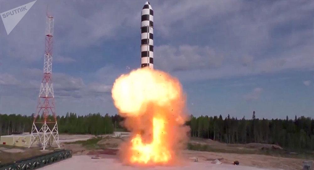 Испытание баллистической ракеты «Сармат». Скриншот видео, предоставленного Минобороны РФ. Архивное фото