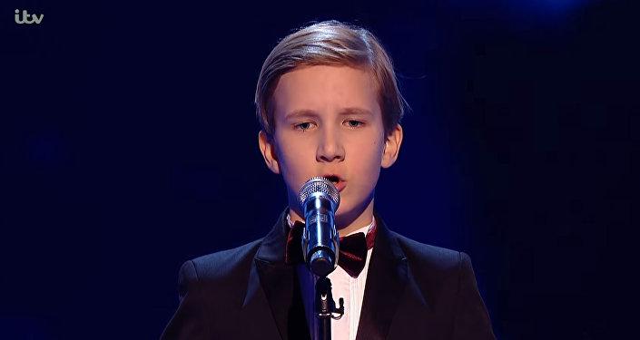 Подросток из России восхитил жюри на британском шоу Голос — видео