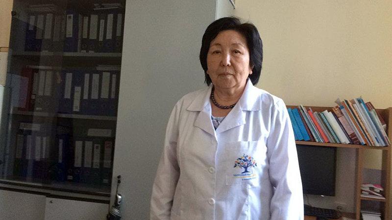 Врач-дезинфектолог департамента профилактики заболеваний и Госсанэпиднадзора при Министерстве здравоохранения Кыргызстана Бермет Солпиева.