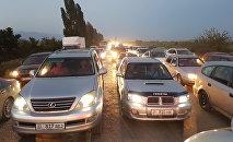 В Иссык-Кульской области наблюдается большая автомобильная пробка