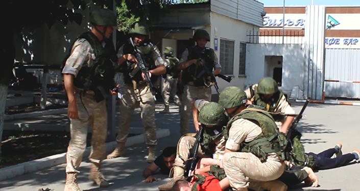 На авиационной базе ОДКБ Кант прошла тренировка с подразделением антитеррора