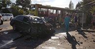 Бишкекте №38 каттамда жүргөн эл ташыган автобус жана Toyota Aristo үлгүсүндөгү жеңил унаа кагышты