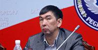 Бишкек шаарынын мэрлигине талапкер Азиз Суракматов. Архив