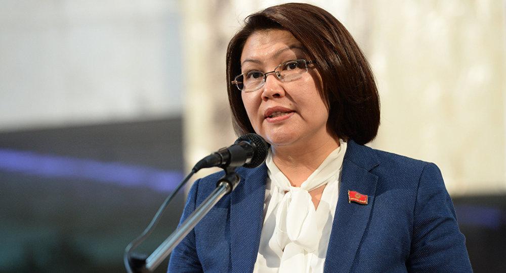 Вице-премьер Алтынай Өмүрбекованын архивдик сүрөтү