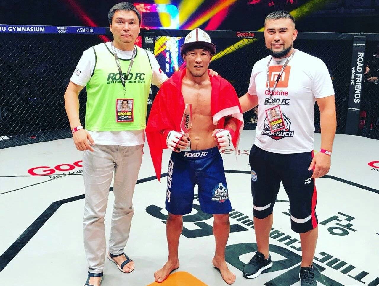 Кыргызстанский боец Бахтияр Тойчубаев победителем турнира Road FC в Корее