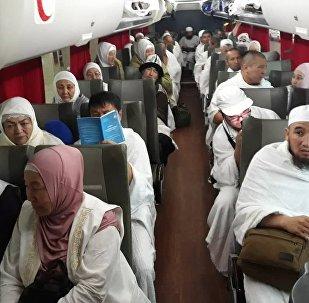 25-июлда Бишкек — Медина багыты боюнча учуп кеткен 300 киши Мекке шаарына алгачкылардан болуп сапар алышты