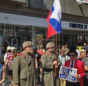 Голливудда Трамптын жылдызын коргогон россиялык аскерлер видеого түшүп калды