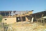 Ноокен районундагы Рахманжан айылынын Шалка тилкесинде катуу шамал болуп үйлөрдүн чатырын учуруп кетти
