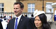 Глава МИД Великобритании Джереми Хант и его супруга Люсия Гуо. Архивное фото