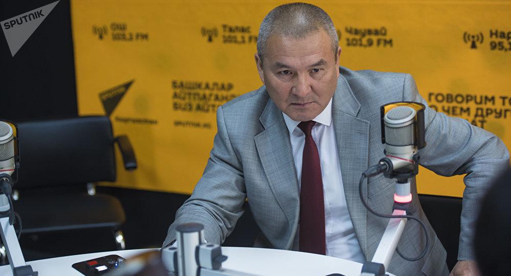 Транспорт жана жолдор министри Жамшитбек Калилов маек учурунда