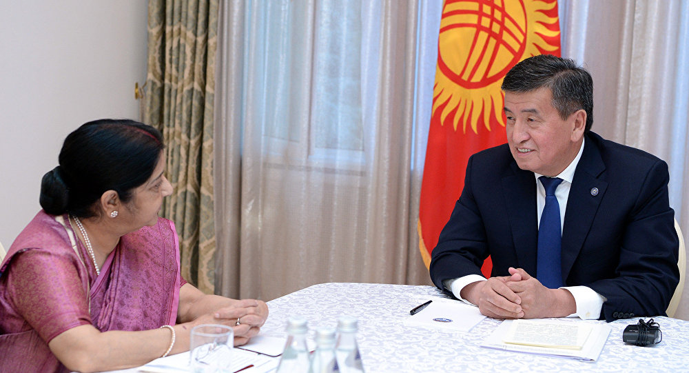 Президент КР Сооронбай Жээнбеков принял министра иностранных дел Индии Сушму Сварадж в рамках ее официального визита в Кыргызстан