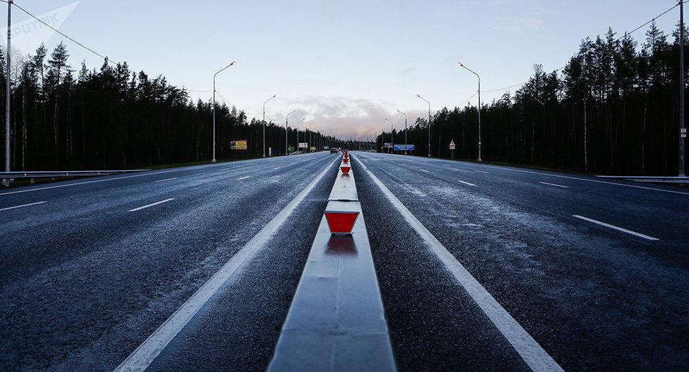 Автомобильная трасса. Архивное фото