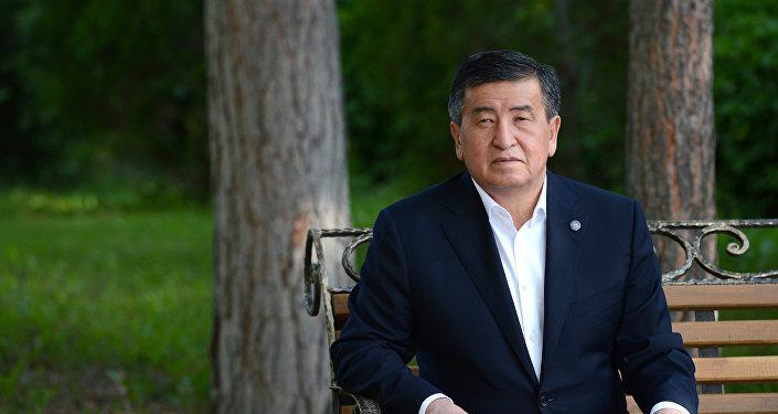 Кыргызстандын пезиденти Сооронбай Жээнбеков. Архив