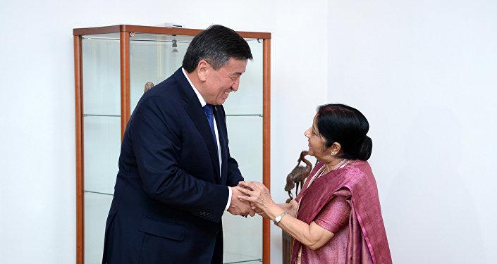 Президент Кыргызстана Сооронбай Жээнбеков принял министра иностранных дел Индии Сушму Сварадж
