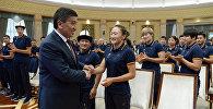 Өлкө башчы Сооронбай Жээнбеков XVIII Азия оюндарына катыша турчу спортчулар менен жолукту