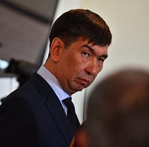 Реакция Суракматова на его избрание мэром Бишкека — фотофакт