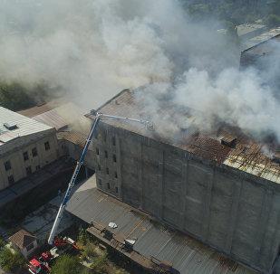 Пожар на крупном комбинате в Бишкеке