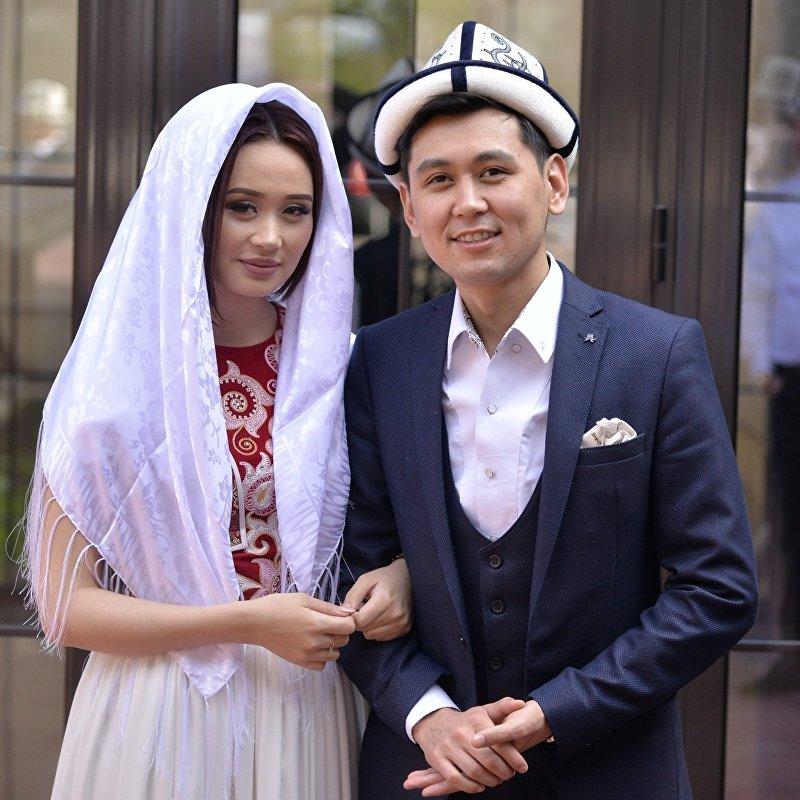 Известные кыргызские исполнители Нурлан Насип и Асел Кадырбекова