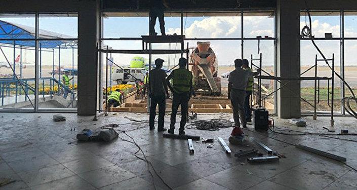 Манас аэропортунда жүргүнчүлөр үчүн жаңы зал курулууда