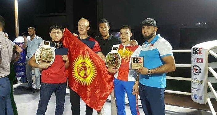 Кикбокс боюнча Борбор Азия чемпионатынан кыргызстандык эки спортчу алтын кур тагынып, дагы төртөө жеңүүчү аталды